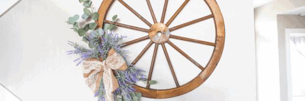 DIY Wagon Wheel Wreath: Rustic Style
